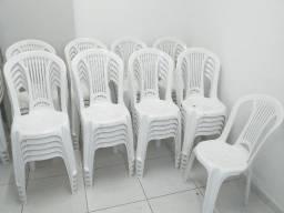 Cadeiras de Plástico Tramontina e outras marcas