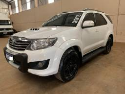 Toyota Hilux SW4 SRV 3.0 4X4 Aut 7 Lugares 2013