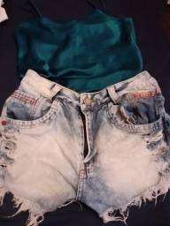 Short e camisa de cetim