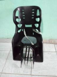 Título do anúncio: Cadeira para. Bicicleta. Com. Bagageira