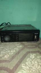 Vendo ou troco este rádio prendaive oxilia e dvd mas o dvd está com problema