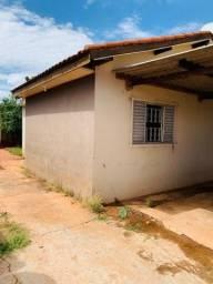 Título do anúncio: Vendo casa usada no bairro Oscar Salazar.