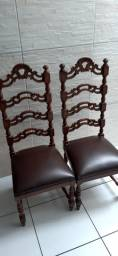 """Cadeiras estilo """" Colonial """""""