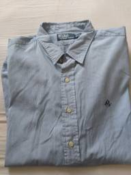 Camisa azul risca de giz usada