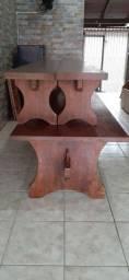Mesa para churrasco.
