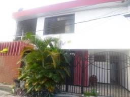 Av. Marque de Herval, Casa de 2 Pavimentos com 5 quartos