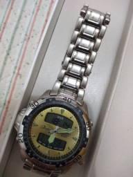 Relógios semi novos