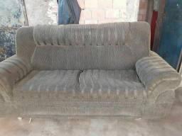 Título do anúncio: Vendo este Sofá pra reformar
