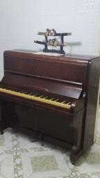 Título do anúncio: Piano ? alemão