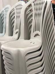 Título do anúncio: Venha já comprar nova cadeira plástica no atacado pra bares