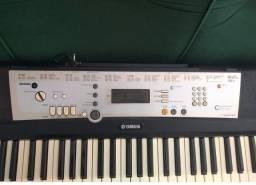 Teclado eletrônico : Yamaha - E 203 com ritimo  super conservado