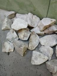 Título do anúncio: 30 pedras decorativas otimo estado