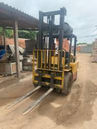Empiladeira Hyster 2,5t