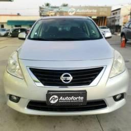 Nissan Versa SL 1.6 Flex - 2013 completo - 2013