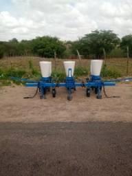 Plantadeira e adubadeira de milho,sorgo soja