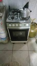Vendo fogão 4 bocas eletrico, 1 ano de uso