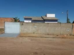 Aluga-se ótima casa próximo ao centro de Gurupi-TO