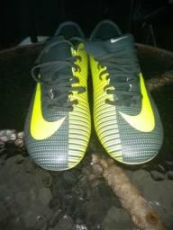 Chuteira Nike numero 37