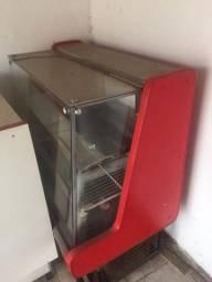 Balcão e refrigerador