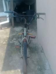 Vende-se bicicleta  $150   *