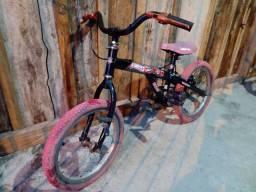 Bicicleta infantil tema hot Wheels aro 16