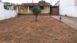 Título do anúncio: Casa para venda - 100 m² - 2 Terrenos 572 mts - 3 Dorms - Centro - Cerqueira César - SP