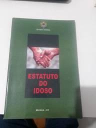 Estatuto do Idoso impresso.