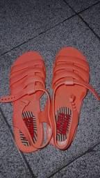 Sandália tamanho 37