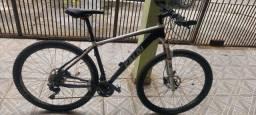 Título do anúncio: Mountain Bike Caloi Elite 30  19'(G) Deore Mais Acessórios