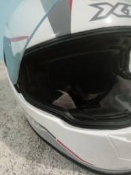 Título do anúncio: Capacete x11 com viseira solar, 1 mês de uso...