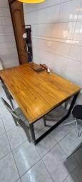 Título do anúncio: Mesa estilo industrial e cadeiras