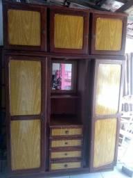 Guarda roupa de madeira com compensado R$:500