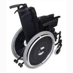 Cadeira de Roda Reclinável. Muito nova.