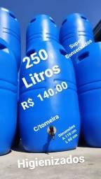 Título do anúncio: Bombonas/tambores 249.99 litros com torneira pvc de 1 polegada