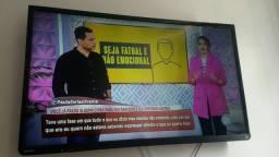 Título do anúncio: Vende se uma TV 49 polegadas Led semi nova no valor de 1000