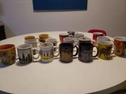 Título do anúncio: Coleção de xícaras de viagens. 18 xícaras em perfeito estado.