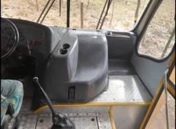 Micro ônibus Neobus Thunder, Motor MWM