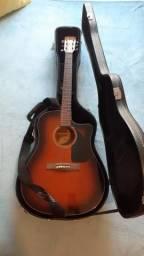 Violão e amplificador Fender