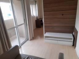 Apartamento de 1 dormitório mobiliado com garagem no centro