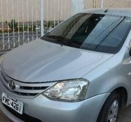 Vendo Toyota Etios 2013