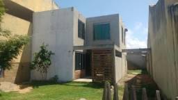 Alugo Duplex para fevereiro e março e a casa esta a venda também. em Grussai!