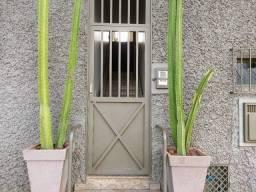 Título do anúncio: Apartamento com 3 dormitórios para alugar por R$ 1.500/mês - Bom Retiro - Uberaba/MG
