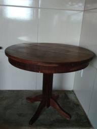 Título do anúncio: Mesa antiga em madeira.