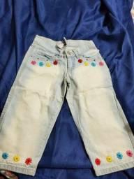 Título do anúncio: Lote 2 calças jeans bordadas.novas  6/8 anos infantil