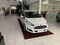 Título do anúncio: Ford fiesta hach rocam se 1.6 2014/2014 Branco Flex  Mecânico  Km-96.855 R$39.990,00