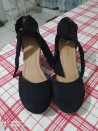Sapato/sandália 25,00 tamanho 37