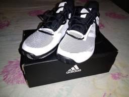 Tênis Adidas
