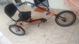 Imperdível triciclo semi novo!