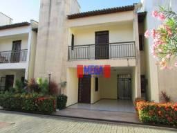 Casa Duplex com 3 quartos para alugar, próximo à Av. Luciano Carneiro