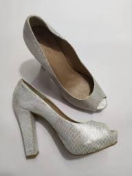 Peep toe metalizado tamanho 39